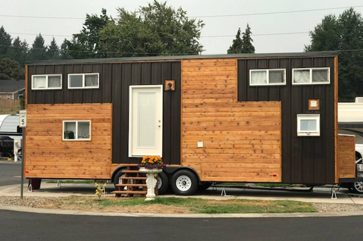5 Stunning Photos Of Tiny Home Prove That Travel Nursing With Kids Is Possible.