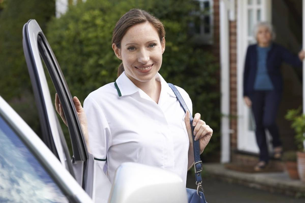 8 Things Home Health Nurses Should Never Leave Home Without