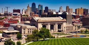 Busy public buildings and downtown in Kansas City