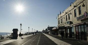 Street between ocean and businesses in New Jersey